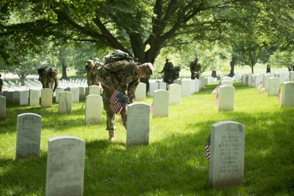 Arlington National Cemetery closed to all but family pass holders on Memorial Day