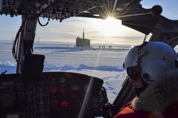 A Navy submariner explains the fine art of smashing through Arctic ice