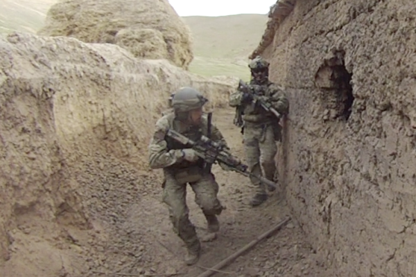 Army sergeant major to receive Medal of Honor for saving 75 hostages from ISIS