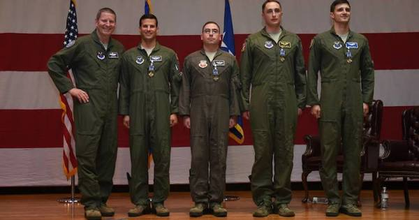 Meet The Heroic Aircrew Behind That Fiery B-1B Lancer Emergency Landing