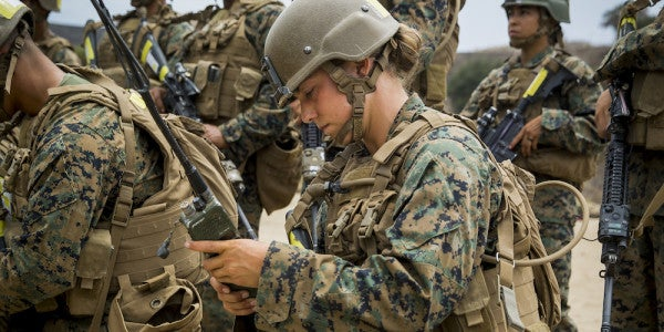 Female Marines Train For Battle Alongside Men For First Time In Camp Pendleton History