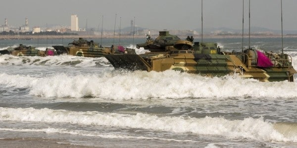 1 Marine dead, 8 others missing after amphibious vehicle sinks off California coast