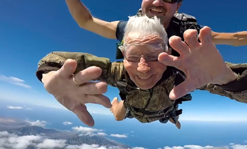 This Badass D-Day Veteran Celebrated His 100th Birthday With His First Jump In Decades