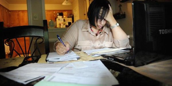 Mil Spouse Unemployment Has Economic Impact Of Nearly $1 Billion