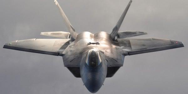 5 Reasons An F-22 Raptor Restart Is A Terrible Idea