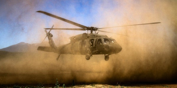 Here's What It's Like To Be A Black Hawk Pilot