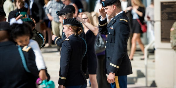 10 Women Graduate From Fort Benning's Infantry Officer Training
