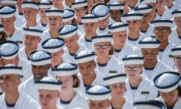 Military Personnel Set To Receive Biggest Pay Raise In 8 Years