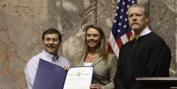 Navy Wife Will Serve As Temporary State Senator While Her Husband Is On Reserve Training