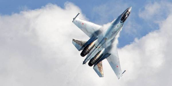 Watch Russia's Favorite Fighter Jet Pull Off The Most Insane Aerobatics We've Ever Seen