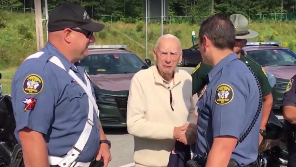 96-Year-Old WWII Raider Gets A Police Escort On His Way To A Marine Corps Reunion