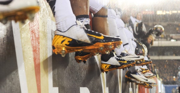 Are Dress Shoes Ruining Navy Football?