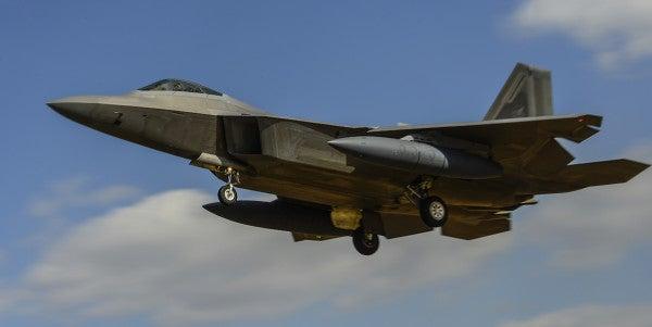 F-22 Raptor crashes in Florida