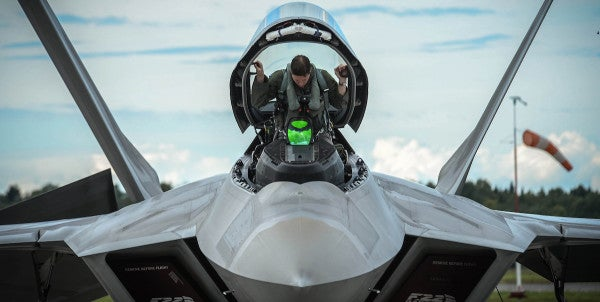 Here's What An F-22 Raptor Fighter Pilot Had To Say About Russia's Su-57 Stealth Fighter