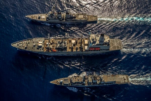 US And British Warships Join Forces In The South China Sea For The First Time In A Clear Message To China