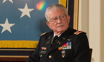 The Medal Of Honor Recipient Who Saved Dozens Of Soldiers In A Damaged Helo During Vietnam Has Died