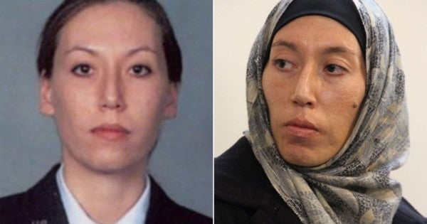 Former Air Force intelligence officer charged with spying for Iran