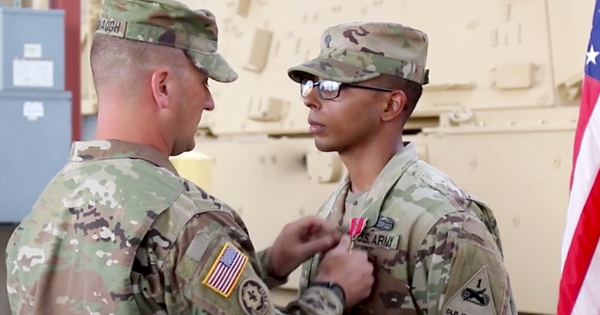 Artillery soldier awarded Bronze Star for raining mortars on ISIS fighters during a harrowing firefight