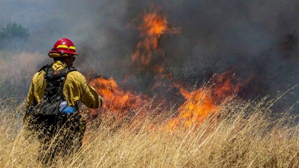 Fires burn more than 8,500 acres at California Marine base
