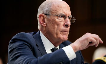 Trump's top intel chief plans on stepping down