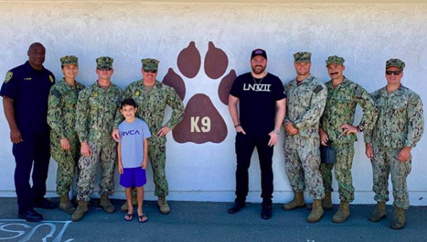 Country music star Chris Young wants to personally thank as many US service members as he can
