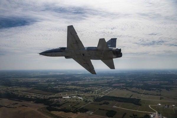 Air Force identifies 2 airmen killed during T-38 training flight in Oklahoma