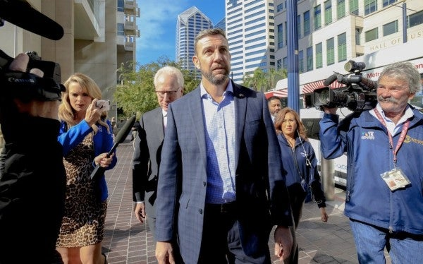 Rep. Duncan Hunter to abandon 'not guilty' plea in campaign finance scandal
