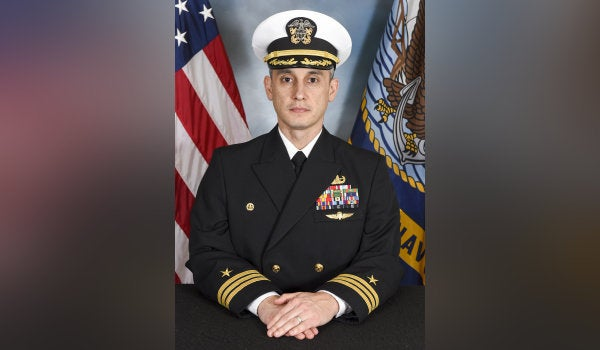 Decorated Navy EOD commander relieved due to loss of confidence