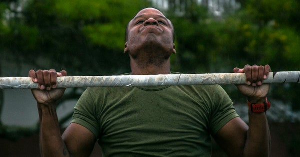 Marines' obsession with pull-ups may be hurting the Corps, according to a new study