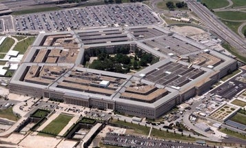 Man who ran from Pentagon police taken in for questioning