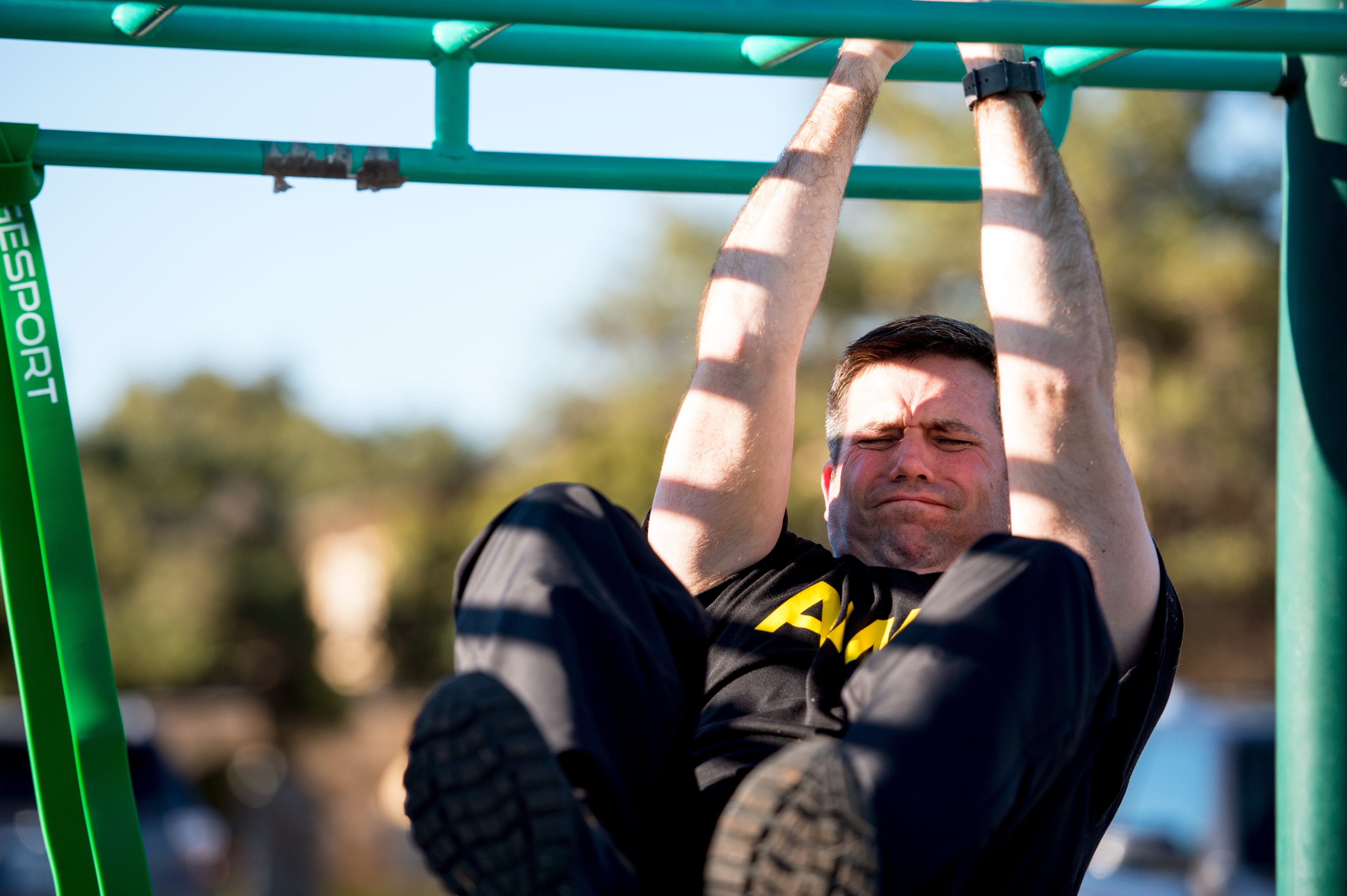 Lawmakers are mad about the Army's new fitness test and think the leg tuck is useless