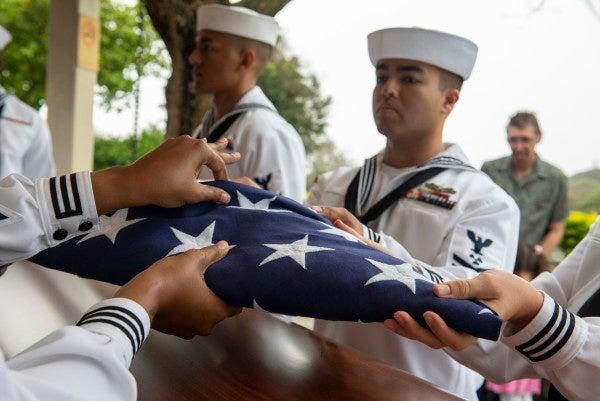 Two sailors killed in plane crash in Alabama