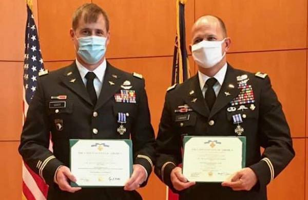Army Guard helo pilots receive Distinguished Flying Cross for engaging Taliban at close range