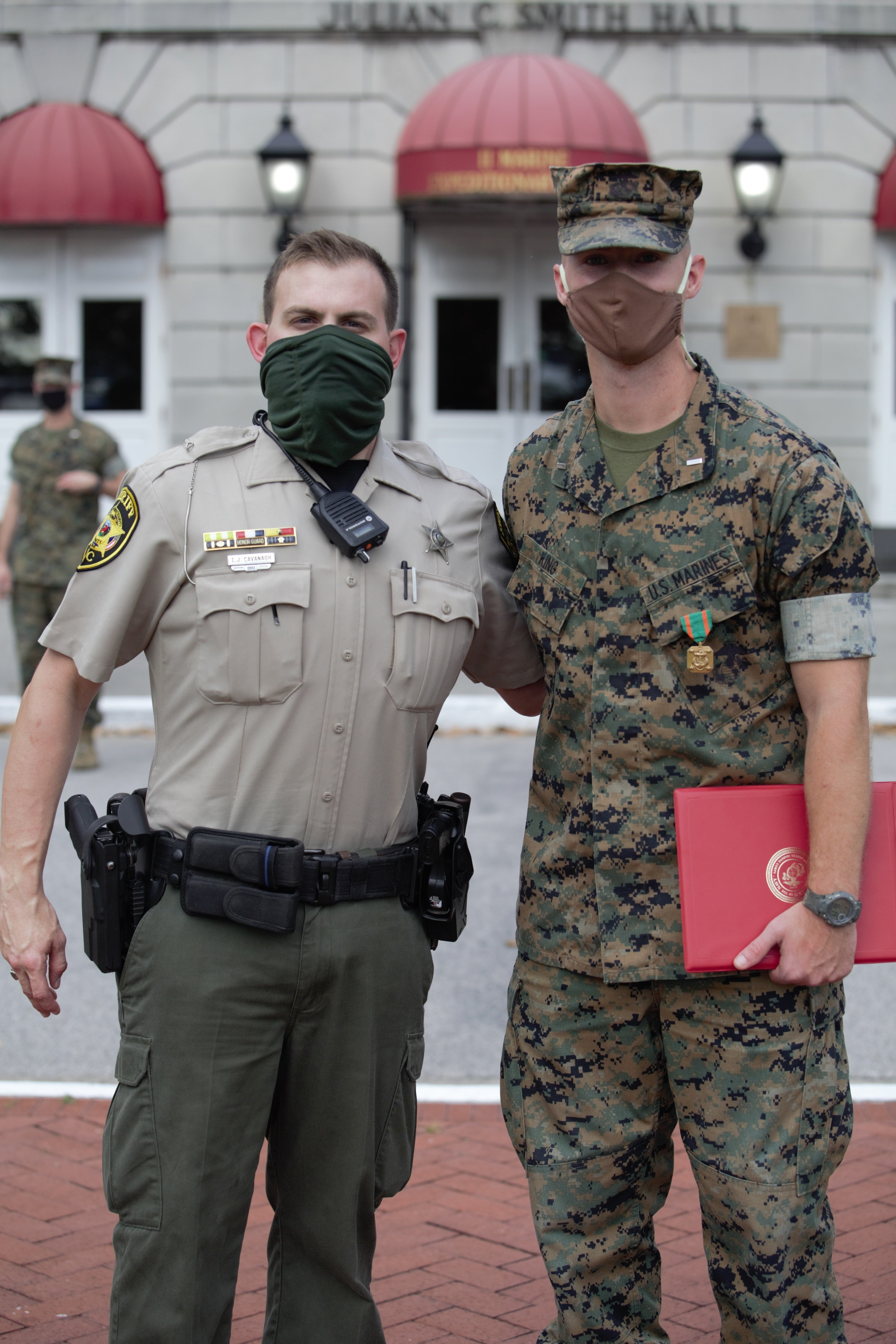 We salute the Marine who rushed to aid an injured police officer after a motorcycle wreck