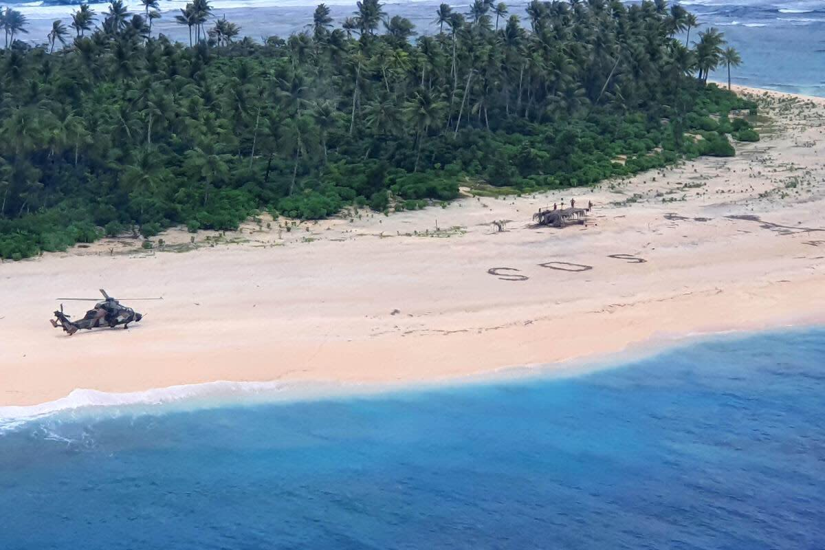 Air Force KC-135 crew locates missing mariners on lone Pacific island