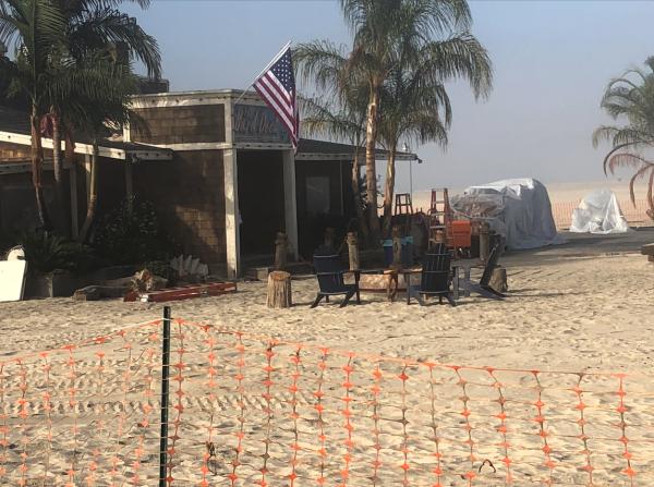 The Crew Of 'Top Gun 2' Built A Bar On The Beach In San Diego