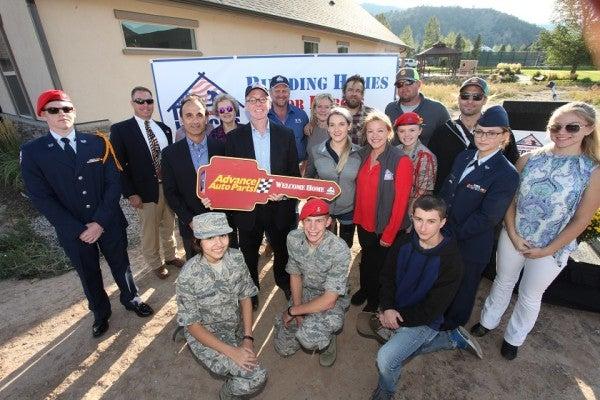 Marine Veteran, Amputee Athlete Kirstie Ennis Gets The Keys To A Custom-Made Home