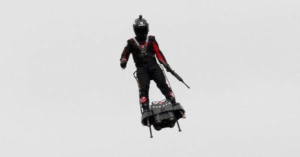 The French just made a great case for outfitting soldiers with 'flyboards'