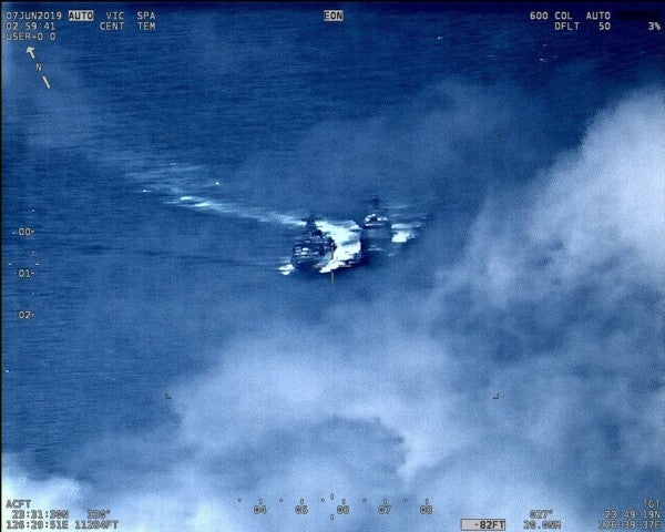 Intense video reveals how close a Russian warship came to colliding with a US cruiser in the East China Sea