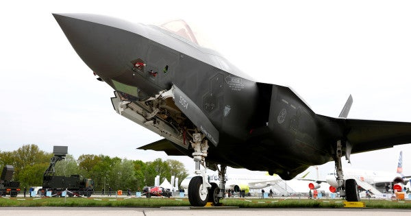 The US may suspend F-35 training for Turkish pilots over Ankara's missile deal with Russia