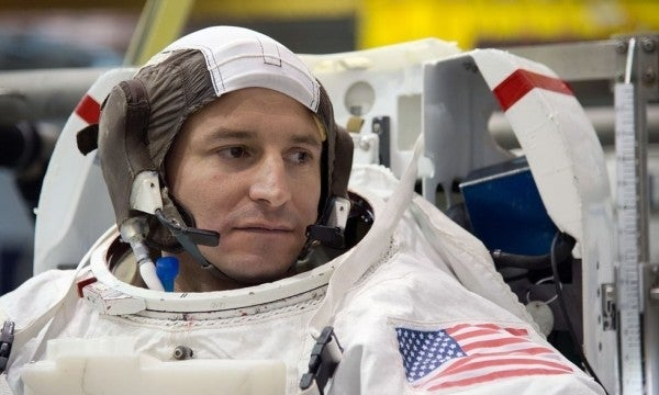 This Army surgeon can break every bone in your body while naming them. Now he's headed into space