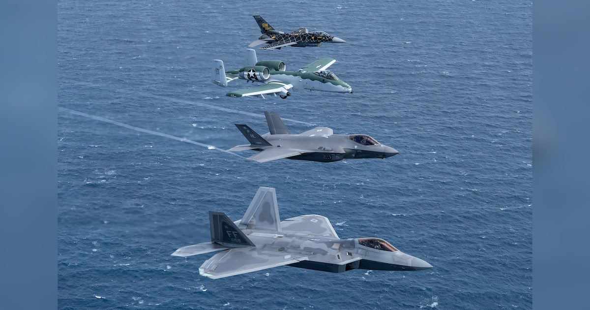 Check out these incredible photos of all four Air Force tactical demo team jets flying in formation