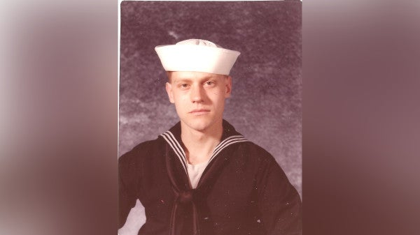Navy vet who chose to be homeless, raised awareness dies at 58