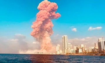 No, that mushroom cloud in Beirut doesn't indicate a nuclear bomb went off