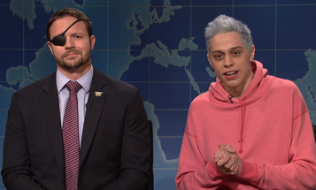 Comedian Pete Davidson tries to walk back apologizing to former SEAL Dan Crenshaw in new Netflix special