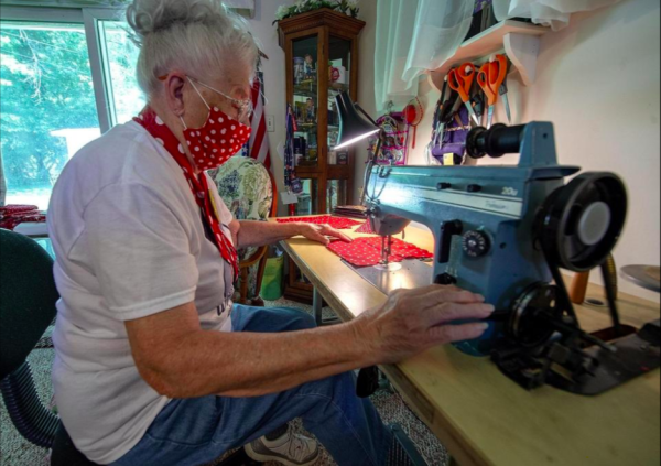 Original 'Rosie the Riveter' makes masks to fight COVID-19