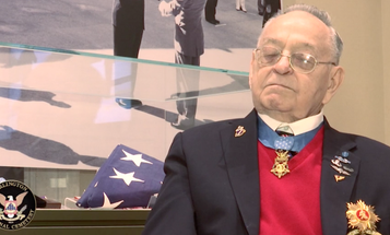Medal of Honor recipient Ron Rosser, who charged into enemy trenches during the Korean War, has died