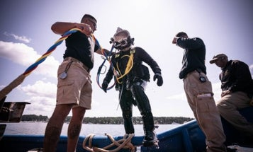 'I hope I can show young girls that they are perfectly capable' — Meet the Army's only enlisted female diver