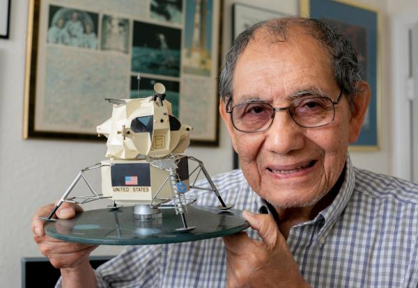 50 years ago, the astronauts of Apollo 13 made it back alive. This guy's invention made it happen