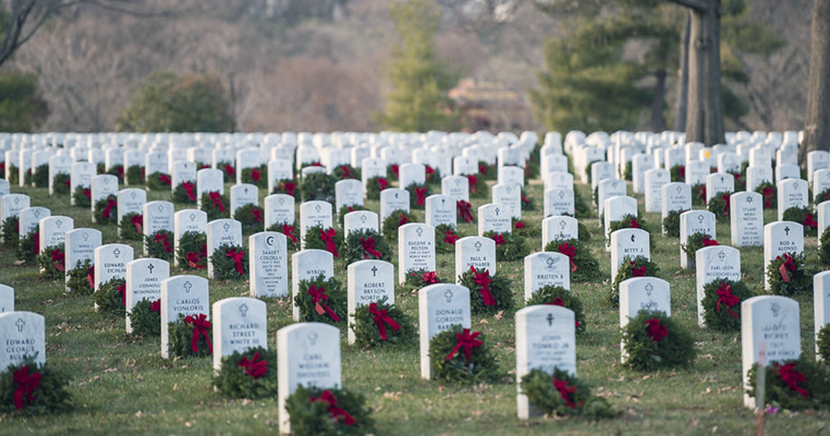 Arlington National Cemetery going ahead with holiday wreath-laying ceremony